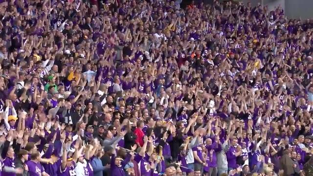 Gjallarhorn, Skol Chant Fire Up Fans Pregame