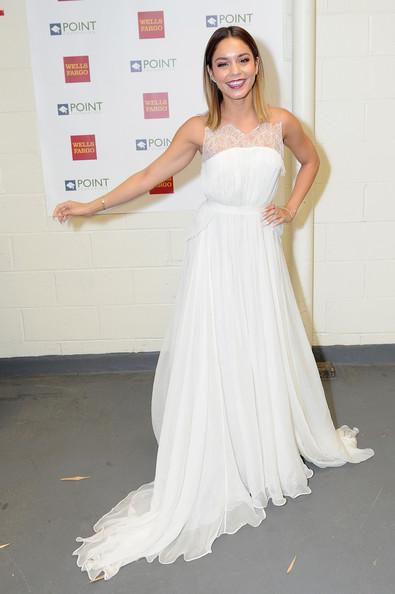 Ванесса Хадженс в белом