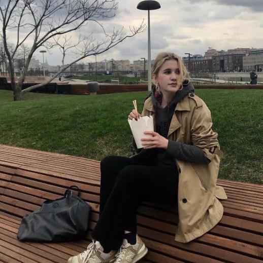 Студентка МГУ предприняла попытку покончить жизнь самоубийством из-за неразделенной любви с геем.