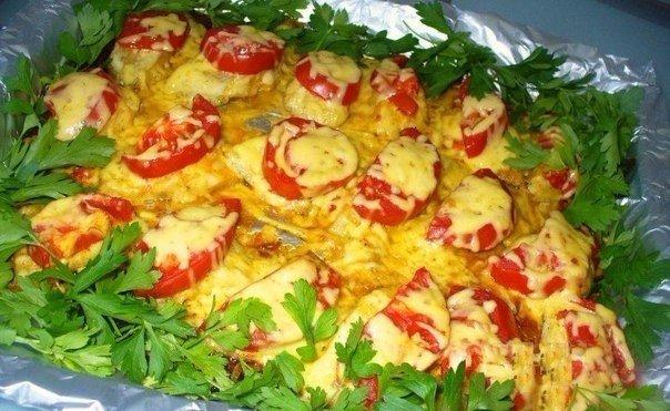 Рыба с помидорами, запеченная под сыром Продукты: - Филе