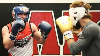 Хабиб Нурмагомедов хвастается ударкой / Подготовка к бою против Конора Макгрегора на UFC 229
