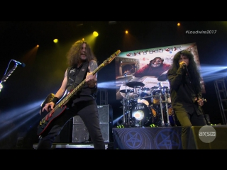 Anthrax - Caught in a Mosh / Carry On Wayward Son (Loudwire Music Awards 2017)