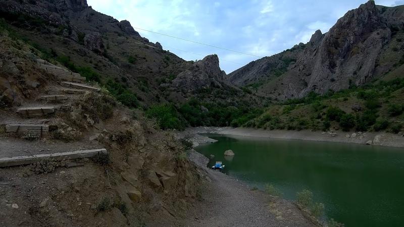Крым Водопад и горное озеро