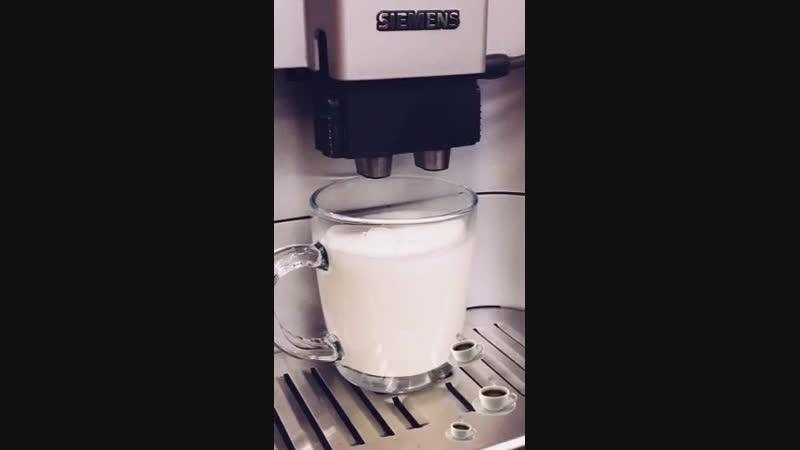 Какая красота ☕️👌 идеальный капучино 🔥🖤 bistroappetito кофе кофессобой капучино американо латтэ