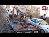 Мужчина пытался взорвать свою машину, чтобы не отдавать ее приставам