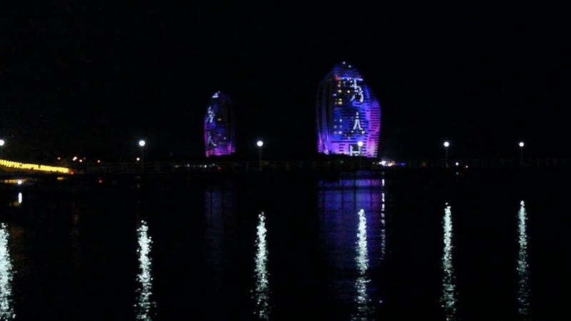 Китай, о. Хайнань, Остров Феникс ночью