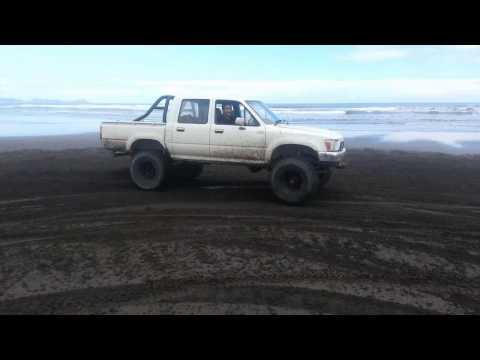 V8 Toyota Hilux