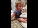 Мам ну купи мне лифчик смешное видео хорошее настроение девушка женщина семья ребенок девочка каприз спальня