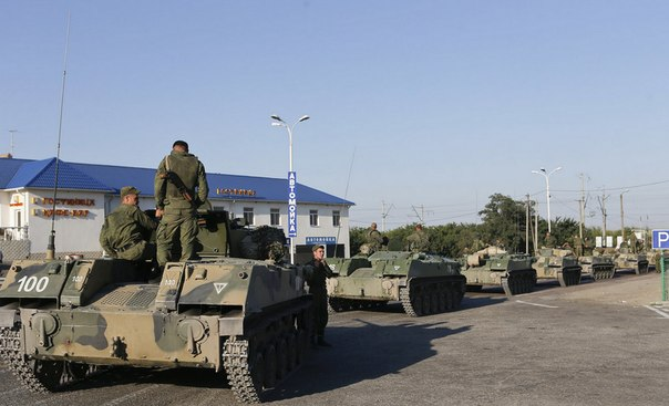 Artilharia Ucraniana Destrói Parte de Coluna de Blindados Russos, Diz Presidente