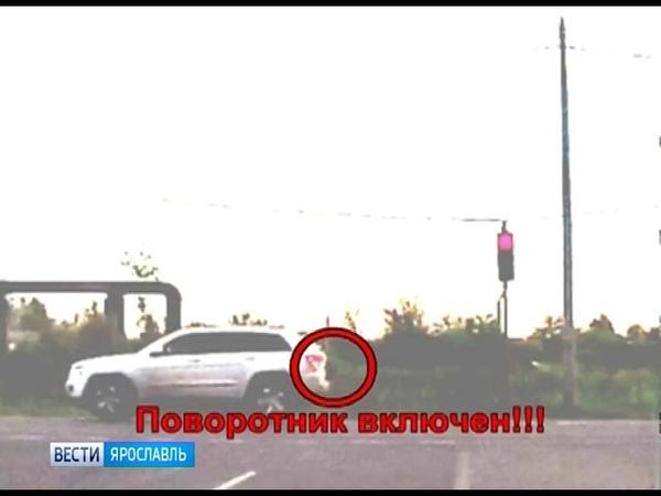 В Ярославле грузовик угодил в дорожную траншею