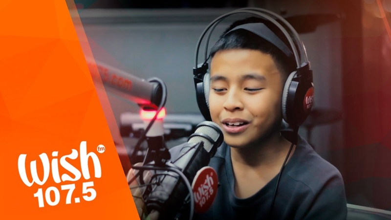 Sam Shoaf covers Photograph (Ed Sheeran) LIVE on Wish 107.5 Bus