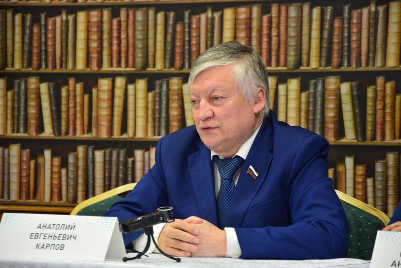 Чемпион мира по шахматам Анатолий Карпов дал пресс-конференцию в Бресте