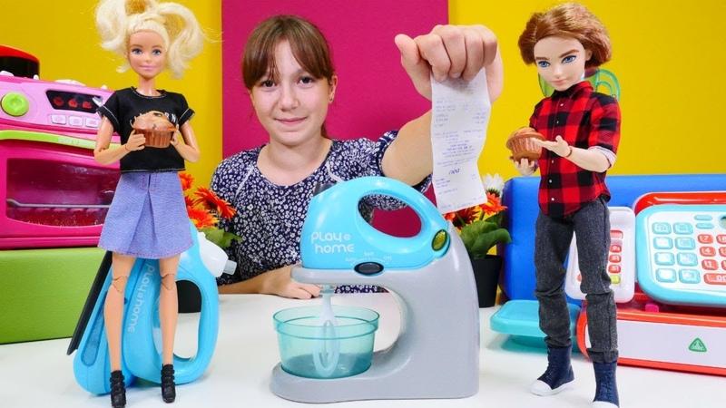 Barbie bozuk mikser aldı! Çocuk videosu