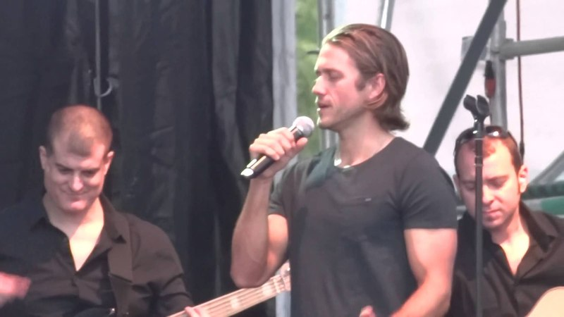 Aaron Tveit - As Long As You're Mine (ft. Laura Osnes) (Wicked) (Live @ Elsie Fest 2015)