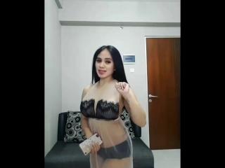 sexy dance solo girl boobs