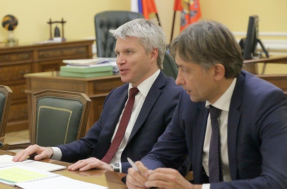 Игорь Артамонов и министр спорта Павел Колобков обсудили развитие отрасли в регионе — Изображение 1