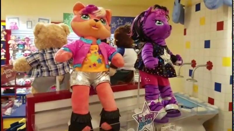 Сказочная карусель, украшение, сделанное детьми и магазин, где можно сделать игрушку по своему вкусу