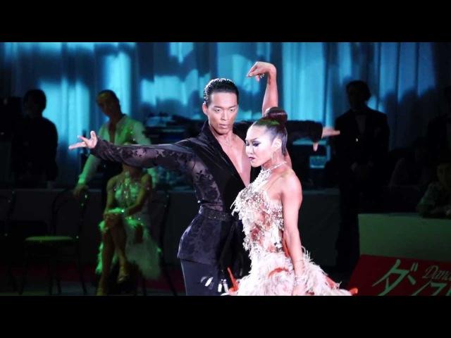 7 пар танцуют одинаковые связки, и все совершенно по разному) 2013 International CHACHACHA