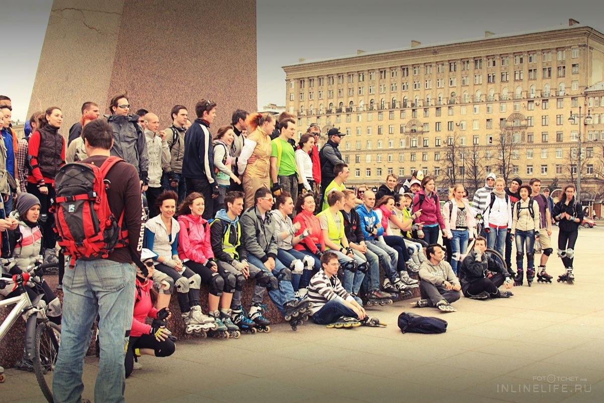 Петербургские роллеры на воскресной новичковой покатушке на Московской площади