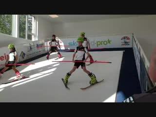 Тренировка в лыжной школе Австрии