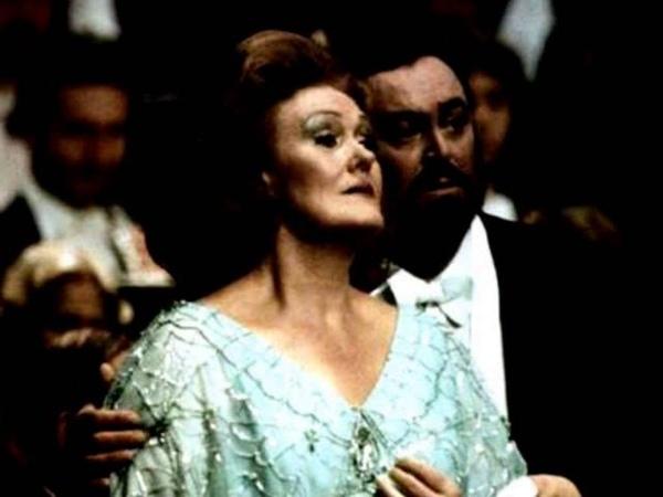 Dame Joan Sutherland Luciano Pavarotti. E il sol dellanima. Rigoletto.