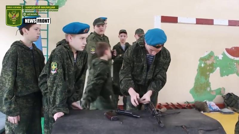 Все больше молодёжи изъявляет желание служить по контракту - военный комиссар ЛНР