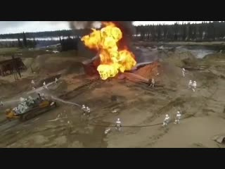 Открытый фонтан с возгоранием. Создание компактной фонтанирующей струи. Во время работ по ликвидации открытого фонтана одной из