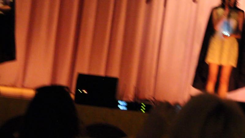 Выпускной 9-х классов в школе № 28 г.Люберцы Творческий номер ребят на выпускном Рома читает