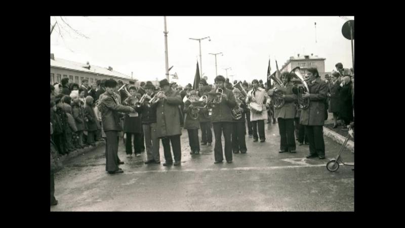 п.Инской-Первомайская демонстрация(архив)