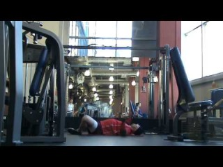 Приседания с шагом в сторону, толчок гири 32 кг