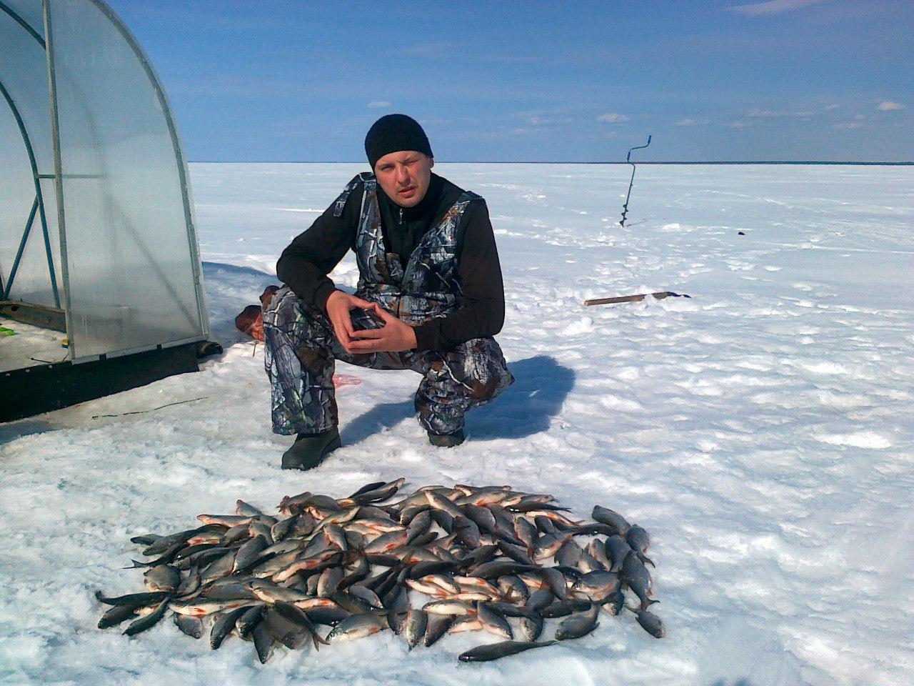 рыбалка в палатках на белом озере