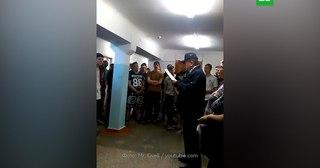 «Переходим на казарменный тип общежития»: директор института в Ухте сравнил студентов с зэками