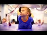 Группа спортивной акробатики Галины Красюк в действии