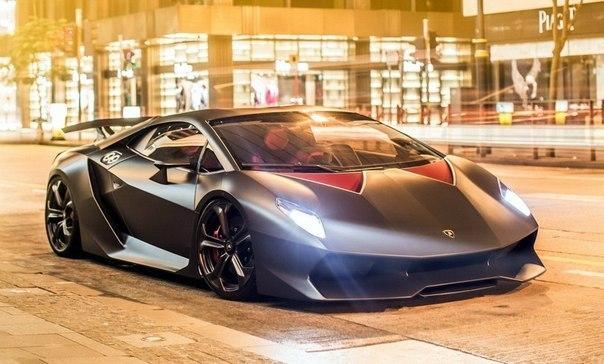 Lamborghini Sesto Elemento  Объём: 5200 см3 Мощность: 570 л.с. Крутящий момент: 540 Нм Привод: Полный Время разгона до 100 км/ч: 2.5 сек Максимальная скорость: более 300 км/ч Масса: 999 кг
