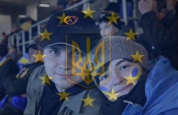 """На Майдане студентам выдают """"справки"""" для деканов об исполнении гражданского долга - Цензор.НЕТ 2087"""