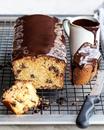 Творожный кекс с шоколадной глазурью