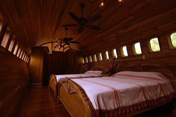 Отель, когда-то летавший в небе.