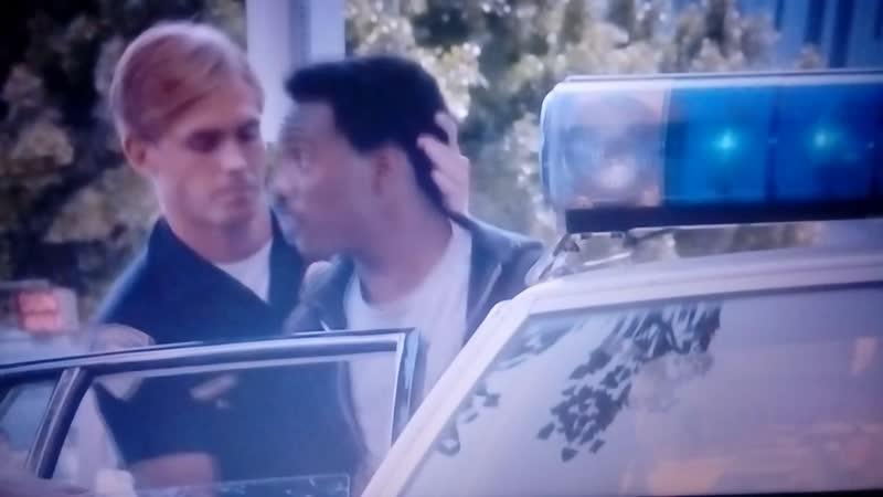 Полицейский из Беверли Хиллз 1984 сцена ареста