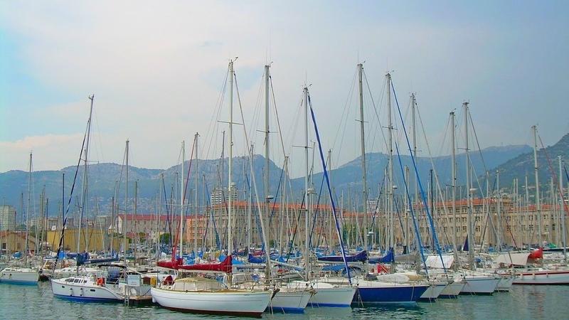 Вид на Тулон с парома. Порт Тулона