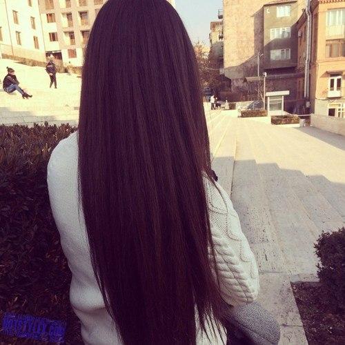 Русское порно с брюнеткой с длинными волосами 12 фотография