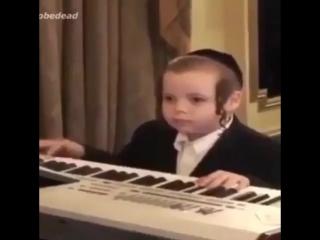 Еврей музыкант