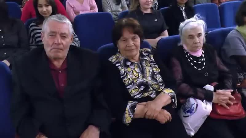 Сахалыы ыллыыр Алдан кыыһа Алина Райлян