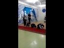 Данил танцует танец пингвинов