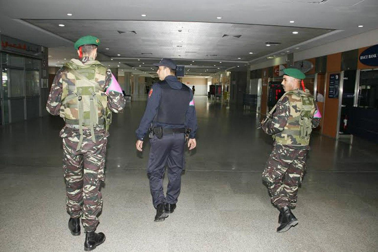 Photos de nos soldats et des Bases Marocaines - Page 2 -BG-fpgWEAg
