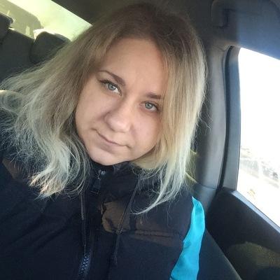 Анна Санькова