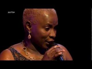 Angelique Kidjo - Malaika - перевод - Ангел  Мой ангел, я люблю тебя, ангел. Мой ангел, я люблю тебя, ангел. Ну, что же поделать