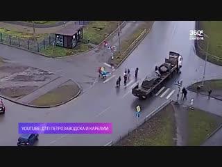 В Петрозаводске сбитая фурой женщина умерла в больнице