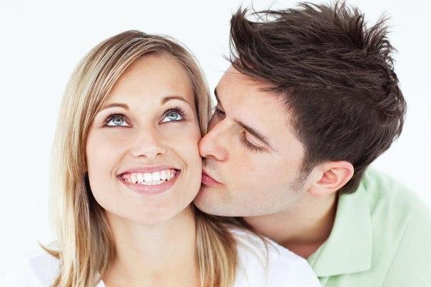Чем чаще мужчина целует женщину, тем больше он зарабатывает.