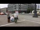 Стрим74: Челябинец вышел на пикет против строительства подземных переходов