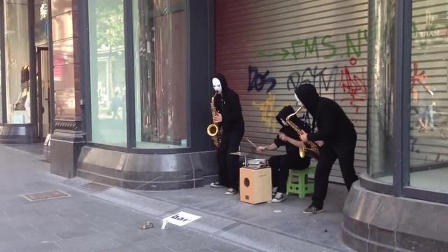 Уличные музыканты. Антверпен. · coub, коуб